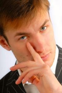 Как разоблачить ложь по жестам